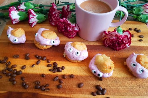 Veganistische slagroomtaart met frambozen-acerola vulling